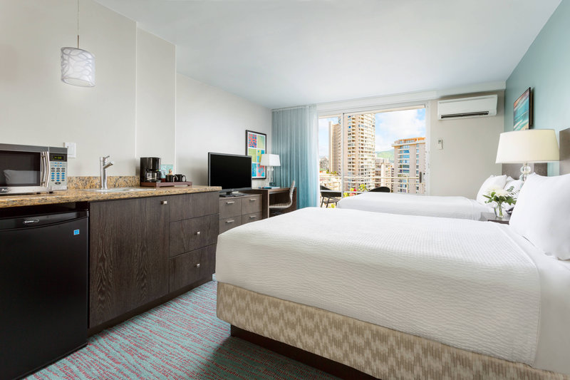 Courtyard by Marriott Waikiki-Deluxe Double/Double Guest Room<br/>Image from Leonardo