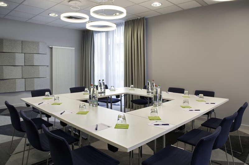 Holiday Inn Express Stuttgart Airport-Holiday Inn Express, a great location for business meetings.<br/>Image from Leonardo