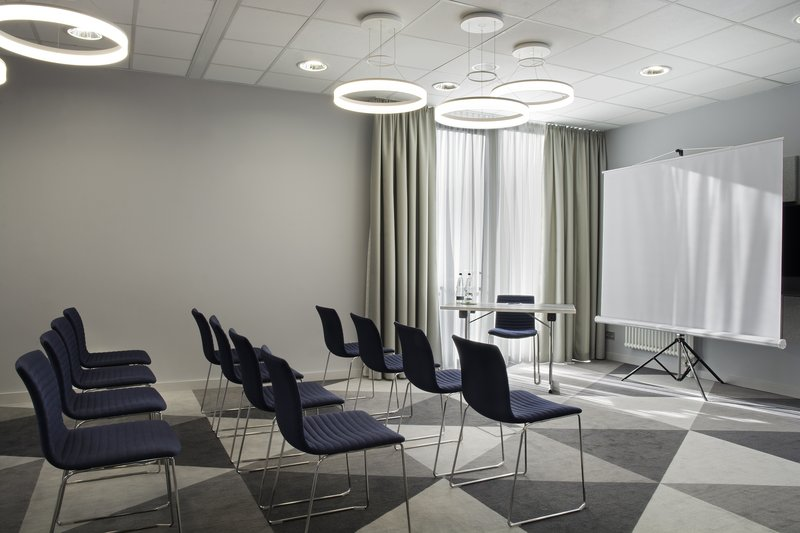 Holiday Inn Express Stuttgart Airport-Flexible seating in the meeting room, holding up to 20 people.<br/>Image from Leonardo