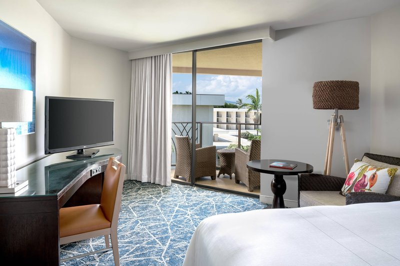 Waikoloa Beach Marriott - King Guest Room with Balcony <br/>Image from Leonardo