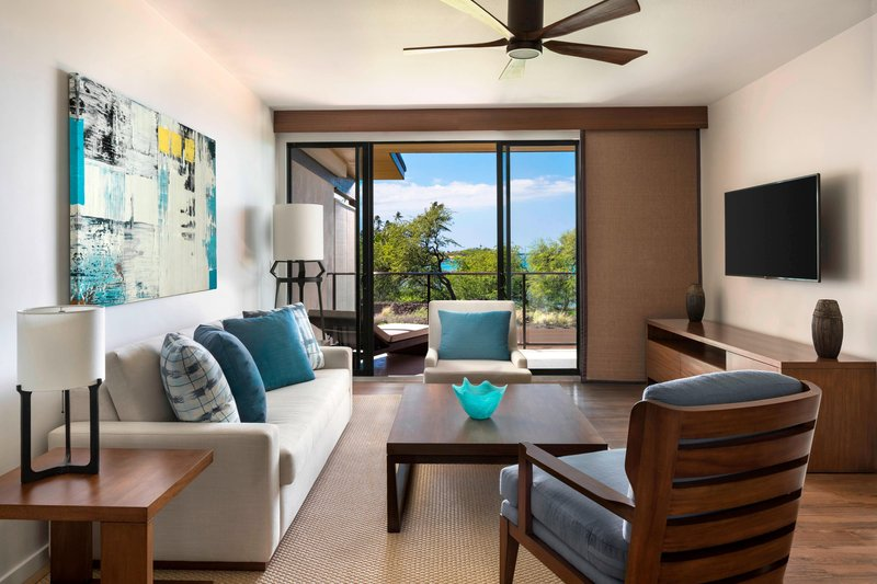 Waikoloa Beach Marriott - Na Hale Suite Oceanfront Living Room <br/>Image from Leonardo
