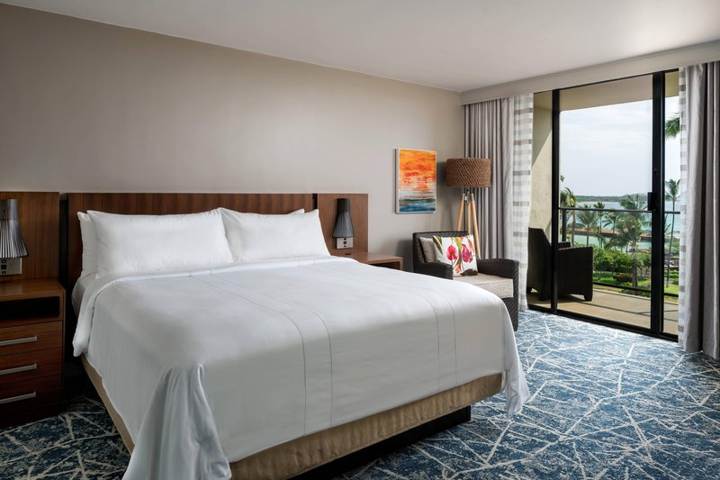 Waikoloa Beach Marriott - Ocean Parlor Suite - Sleeping Area <br/>Image from Leonardo