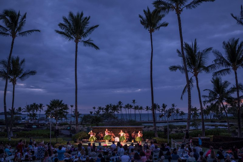 Waikoloa Beach Marriott - Sunset Luau <br/>Image from Leonardo