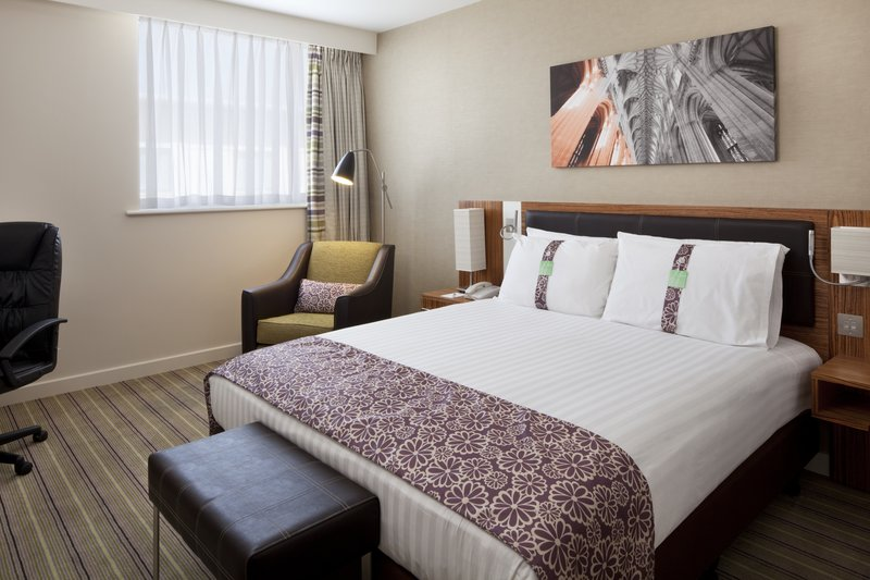 Holiday Inn Winchester-Standard Double Bed Guest Room<br/>Image from Leonardo