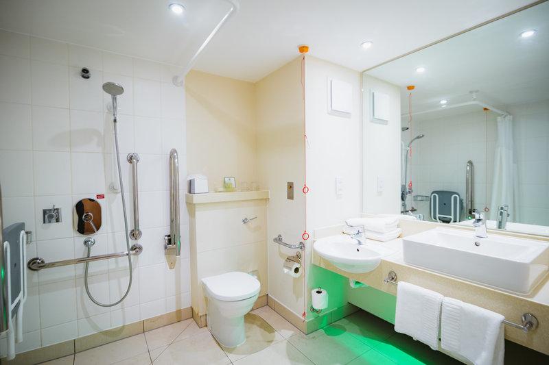 Holiday Inn Winchester-Accessible Bathroom<br/>Image from Leonardo