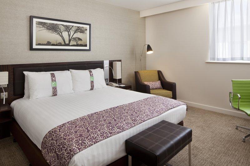 Holiday Inn Winchester-Executive Room<br/>Image from Leonardo