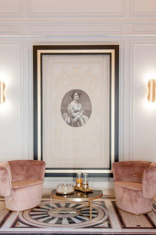 Eugenia de Montijo, Autograph Collection-Entrance<br/>Image from Leonardo