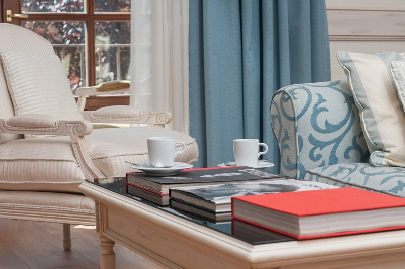 Eugenia de Montijo, Autograph Collection-Tiffany Suite Living Area<br/>Image from Leonardo