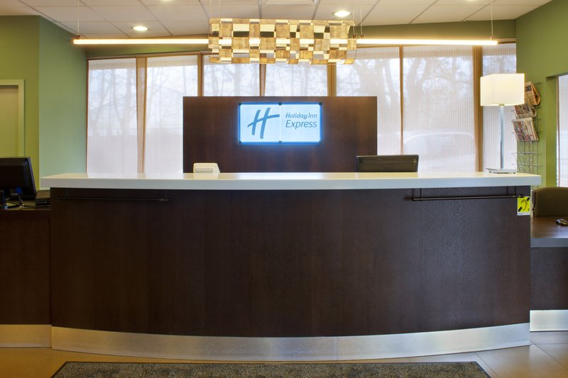 Holiday Inn Express Gent-Front Desk at the Holiday Inn Express Gent hotel<br/>Image from Leonardo