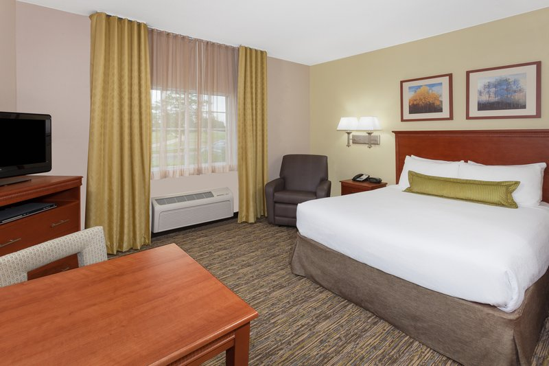 Candlewood Suites Aurora-Naperville-Single Bed Guest Room<br/>Image from Leonardo
