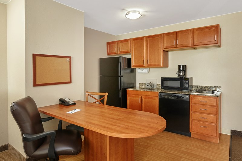 Candlewood Suites Aurora-Naperville-ADA/Handicapped accessible One Bedroom Suite kitchen<br/>Image from Leonardo