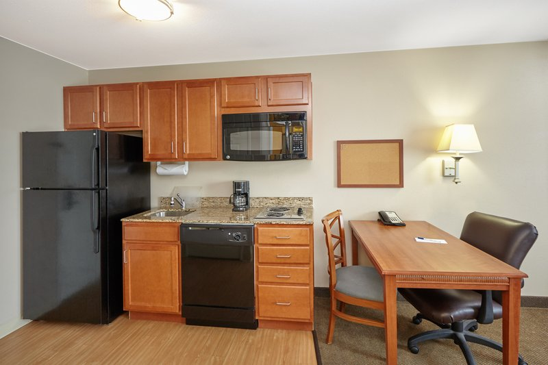Candlewood Suites Aurora-Naperville-Queen Studio Suite kitchen<br/>Image from Leonardo