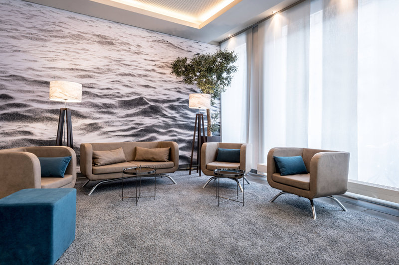 Courtyard Munich City Center-Lobby - Sitting Area<br/>Image from Leonardo