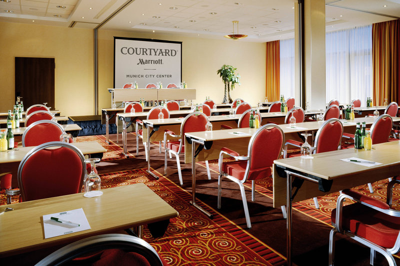 Courtyard Munich City Center-La Piazza Ballroom - Classroom Setup<br/>Image from Leonardo