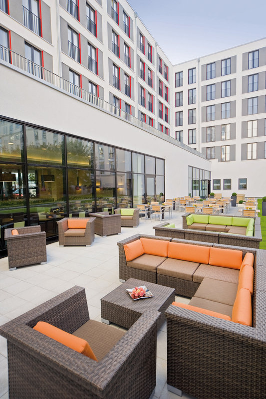 Courtyard Munich City East-Bistro - Terrace<br/>Image from Leonardo