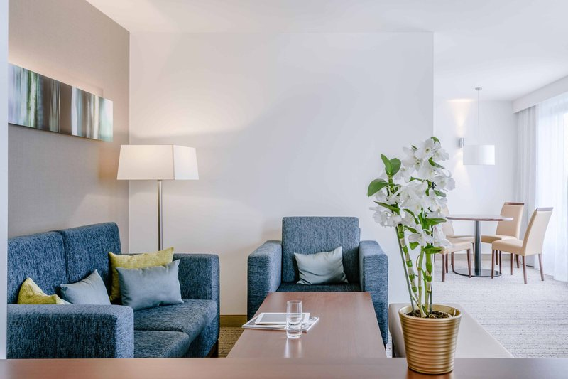 Courtyard Munich City Center-One-Bedroom Leo Suite - Living Area<br/>Image from Leonardo