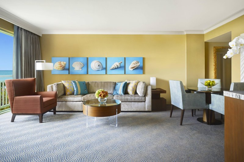 The Royal at Atlantis - Regal Suite – Living Room <br/>Image from Leonardo