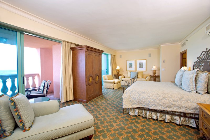 The Royal at Atlantis - Presidential Suite - Bedroom <br/>Image from Leonardo