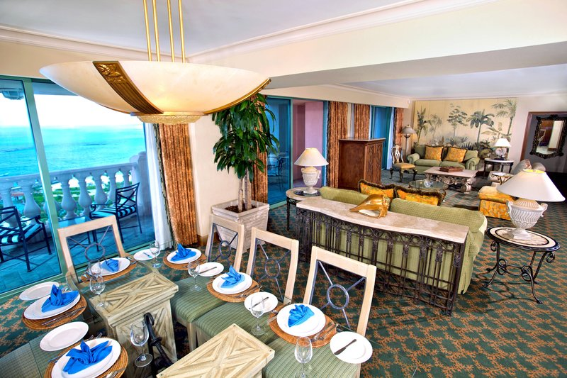 The Royal at Atlantis - Presidential Suite - Living Room <br/>Image from Leonardo