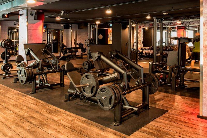 Renaissance Naples Hotel Mediterraneo-Fitness Center - Weight Machines<br/>Image from Leonardo