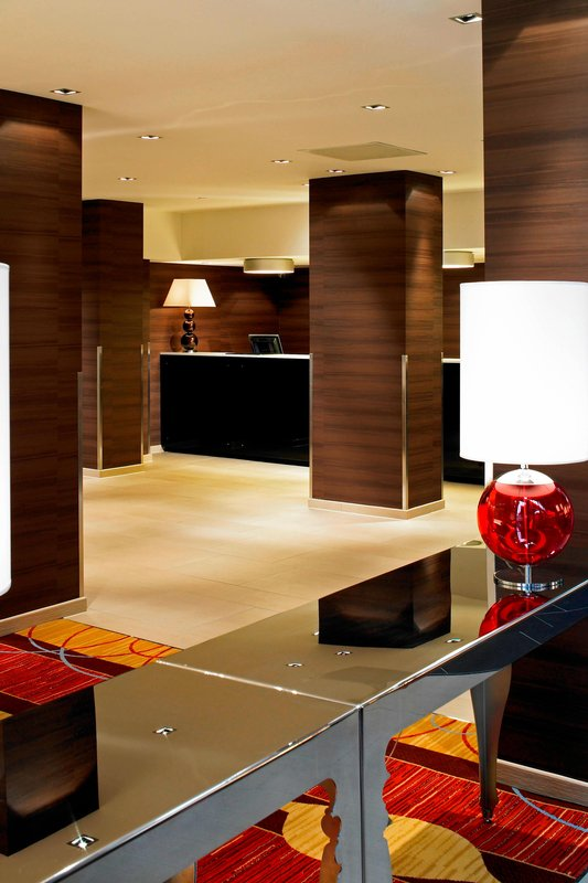 Marriott Portsmouth Hotel-Lobby<br/>Image from Leonardo