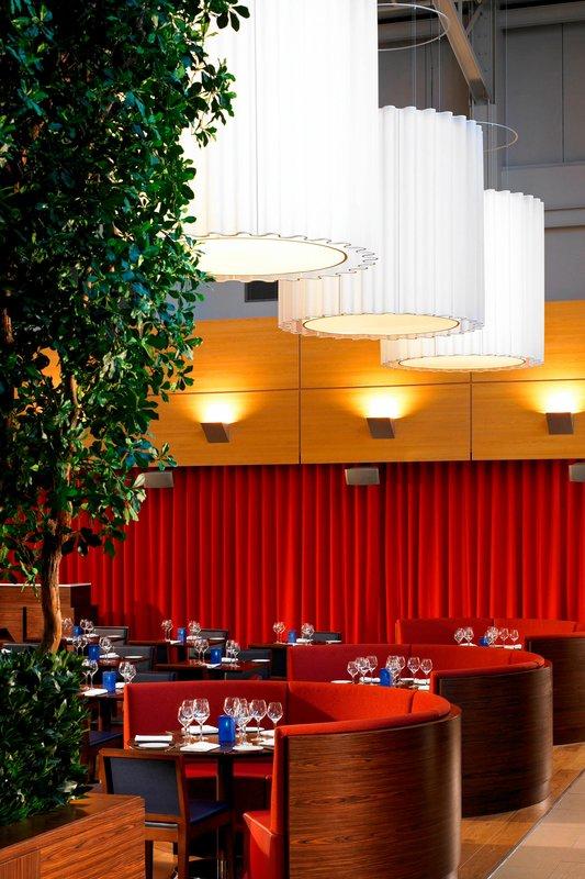 Marriott Portsmouth Hotel-Cast Iron Bar & Grill<br/>Image from Leonardo