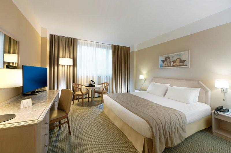 Holiday Inn Naples-1 KING BED STANDARD<br/>Image from Leonardo