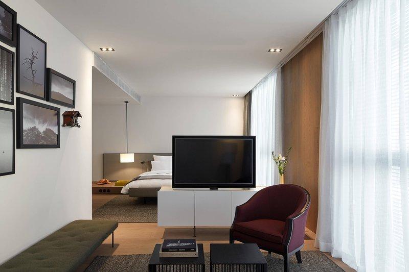 Autograph Collection Roomers Baden-Baden-Junior Prestige Suite - Living Area<br/>Image from Leonardo