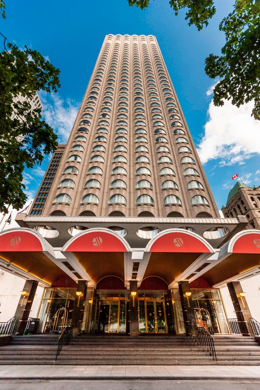 Montreal Marriott Chateau Champlain-Entrance<br/>Image from Leonardo