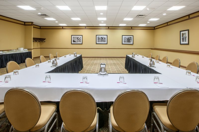 Crowne Plaza Louisville Airport Expo Center-Meeting Room<br/>Image from Leonardo