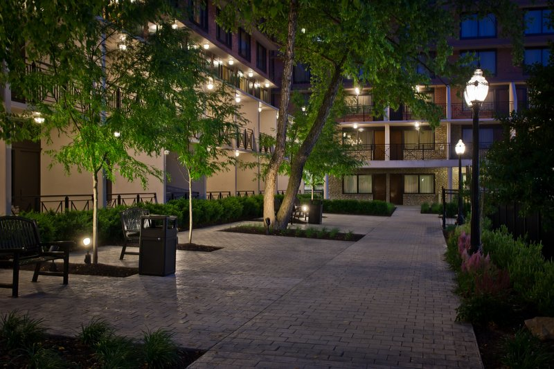 Crowne Plaza Louisville Airport Expo Center-Louisville Airport Hotel Courtyard<br/>Image from Leonardo