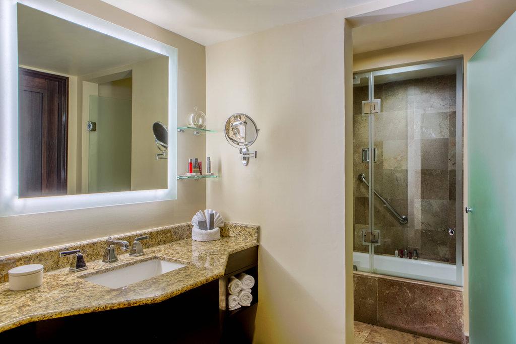 Marriott Puerto Vallarta Resort & Spa - Junior Suite - Guest Bathroom <br/>Image from Leonardo