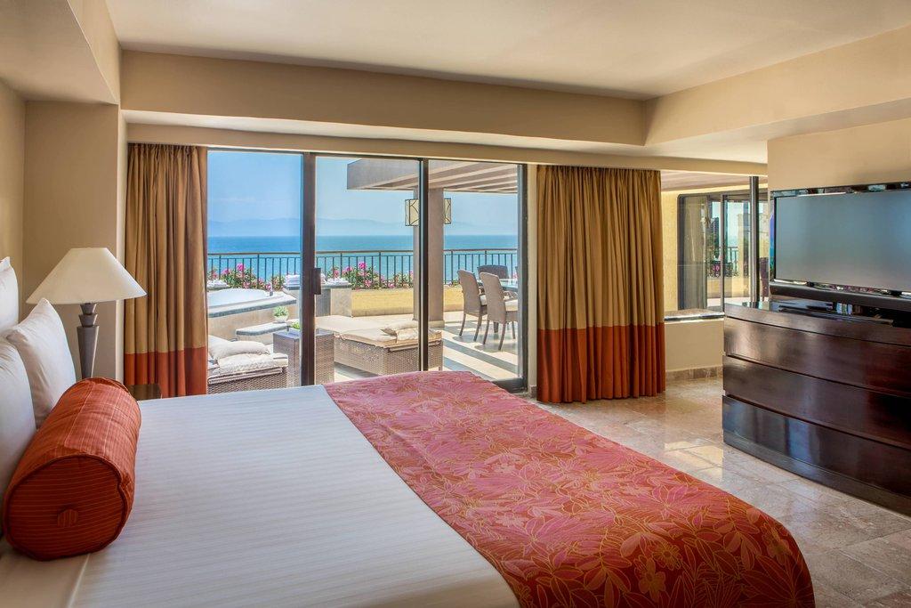 Marriott Puerto Vallarta Resort & Spa - Luxury Suite - Bedroom <br/>Image from Leonardo