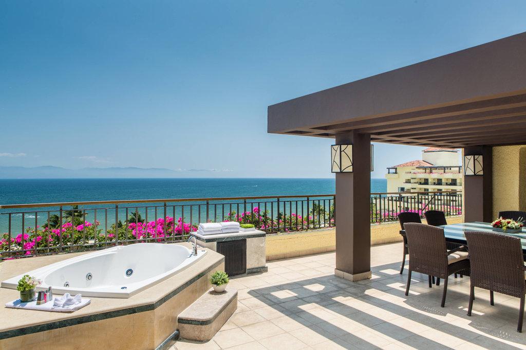 Marriott Puerto Vallarta Resort & Spa - Luxury Suite - Terrace <br/>Image from Leonardo