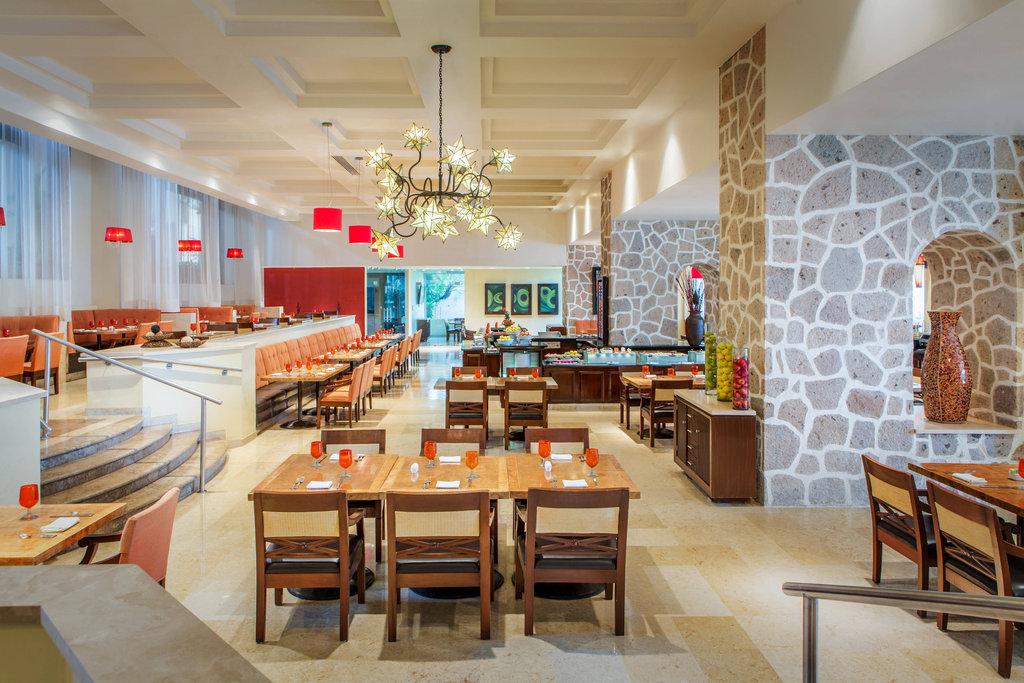 Marriott Puerto Vallarta Resort & Spa - La Estancia Restaurant <br/>Image from Leonardo