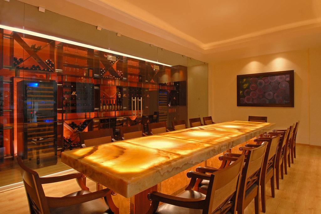 Marriott Puerto Vallarta Resort & Spa - La Estancia Private Room <br/>Image from Leonardo