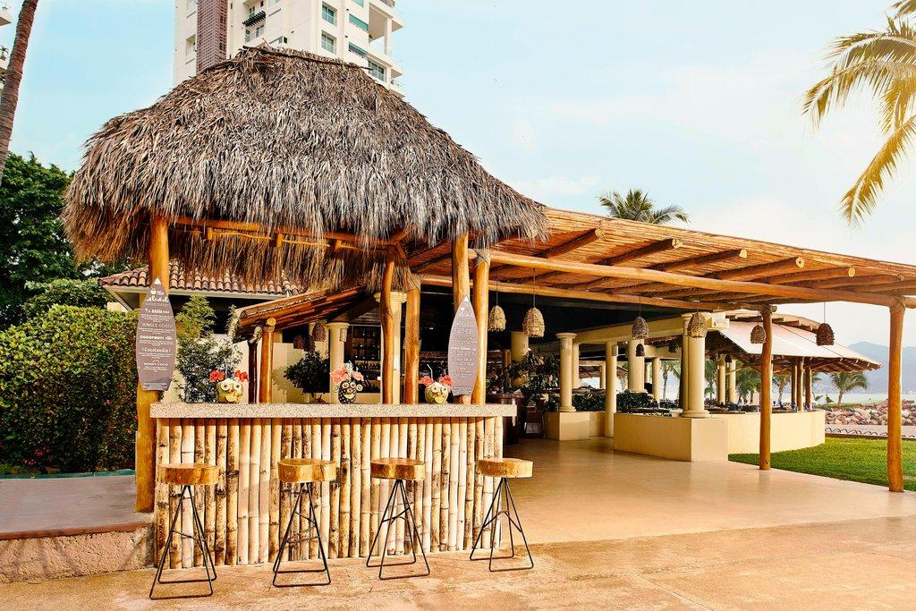 Marriott Puerto Vallarta Resort & Spa - Las Casitas - Cocobar <br/>Image from Leonardo