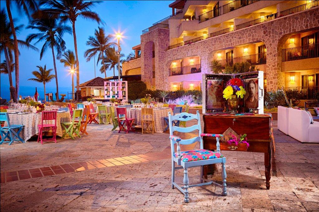 Marriott Puerto Vallarta Resort & Spa - Outdoor Banquet Setup <br/>Image from Leonardo