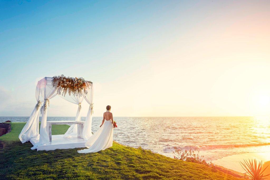 Marriott Puerto Vallarta Resort & Spa - Outdoor Wedding Ceremony <br/>Image from Leonardo