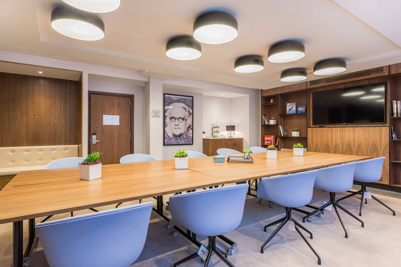 Courtyard Glasgow Airport-Connolly Meeting Room<br/>Image from Leonardo
