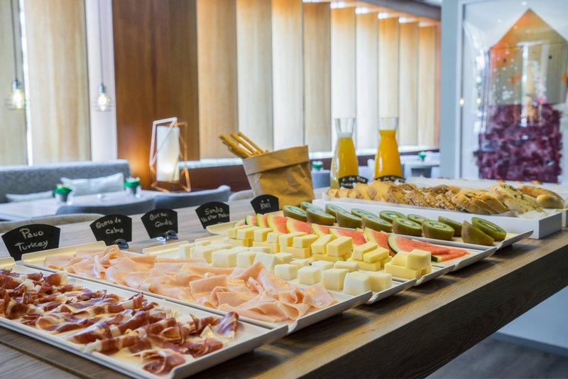 AC Hotel Valencia-AC Breakfast<br/>Image from Leonardo