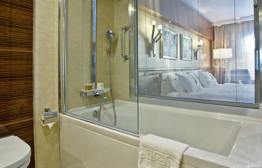Holiday Inn Ankara-Kavaklidere-Comfortable Guest Bath<br/>Image from Leonardo