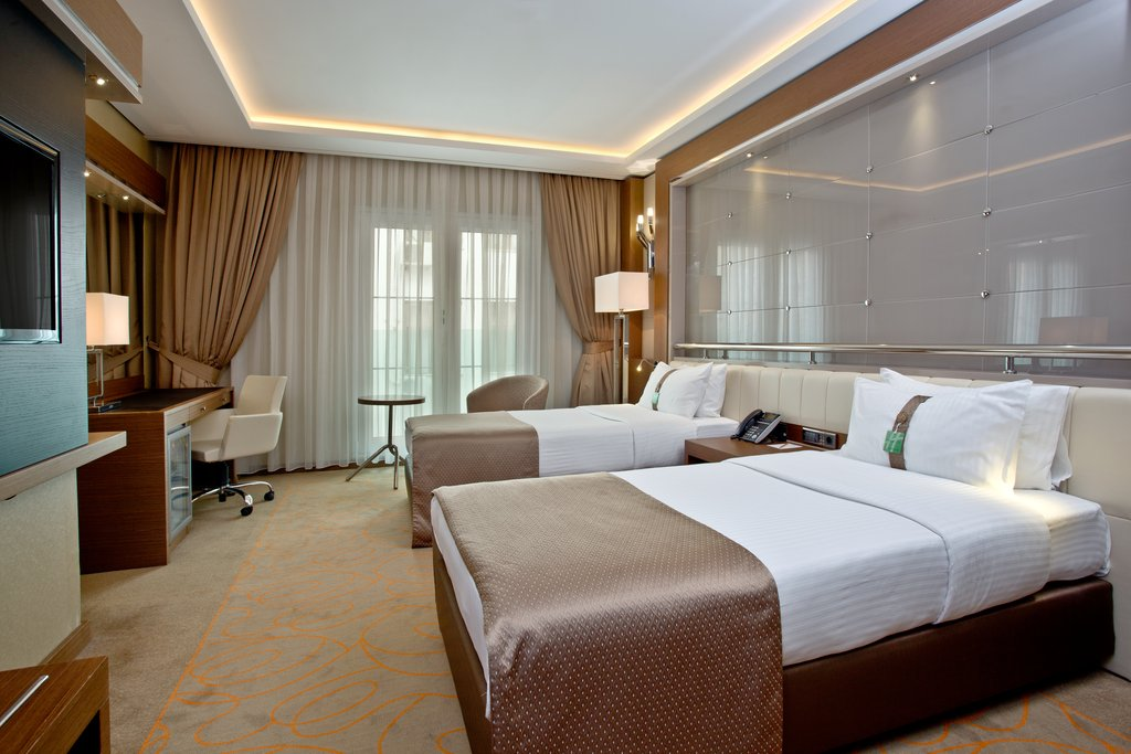 Holiday Inn Ankara-Kavaklidere-Spacious Two Twin Superior Nonsmoking Room<br/>Image from Leonardo