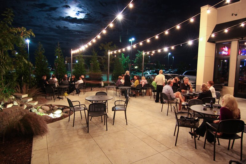 Holiday Inn Hotel & Suites Bloomington - Airport-Outdoor seating available for dining or to share a drink<br/>Image from Leonardo