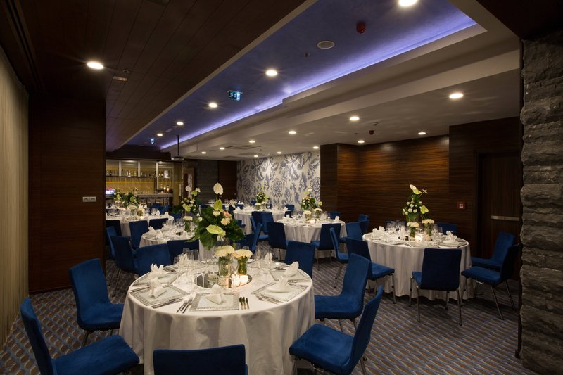 Renaissance Izmir Hotel-Pinch Meeting Room - Celebration Dinners<br/>Image from Leonardo