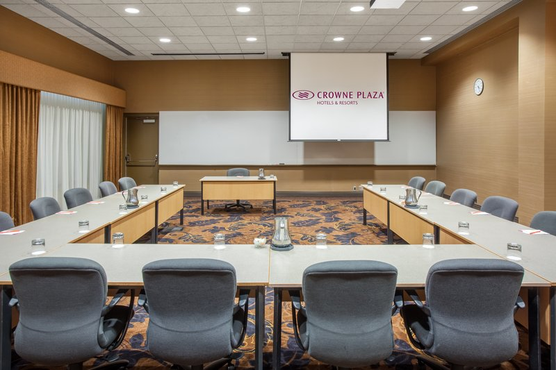 Crowne Plaza Minneapolis West-Crowne Plaza Minneapolis West Conference Meeting Room<br/>Image from Leonardo
