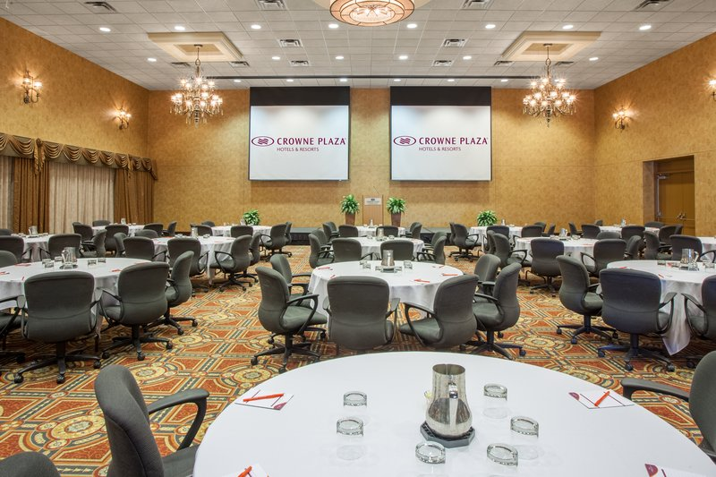 Crowne Plaza Minneapolis West-Regency Crescents Meeting Room<br/>Image from Leonardo