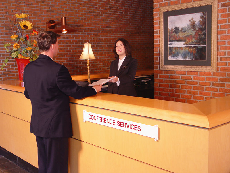 Crowne Plaza Minneapolis West-Conference Services Concierge<br/>Image from Leonardo