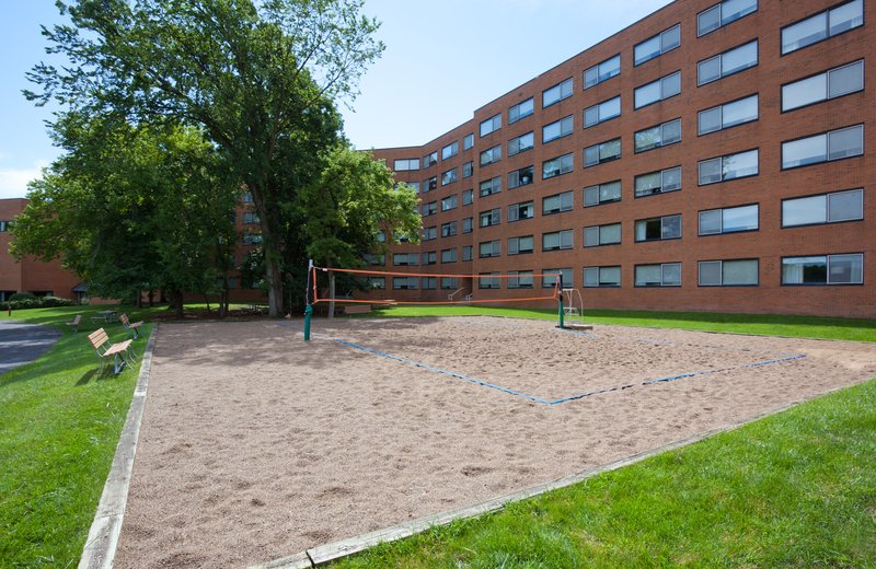 Crowne Plaza Minneapolis West-Sand Volleyball Court<br/>Image from Leonardo