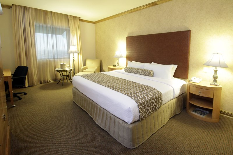Crowne Plaza Torreon-Guest Room<br/>Image from Leonardo